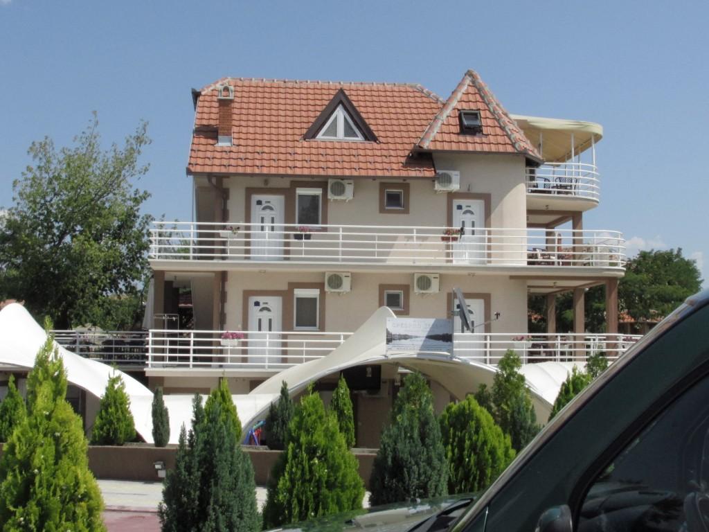 25 kuća